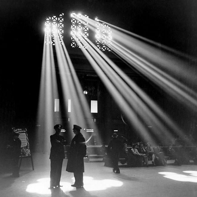Chicago's Union Station in 1943   PC: Jack Delano [Public domain], via Wikimedia Commons